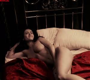 DRAGON: Salma Hayek / Nude in Frida