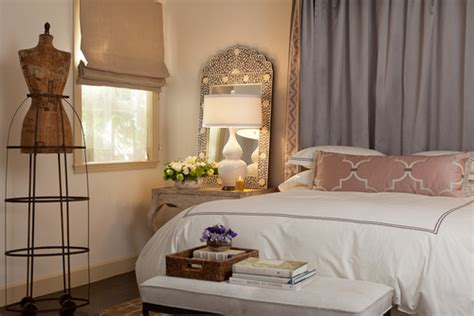 give  romantic ambiance   bedroom