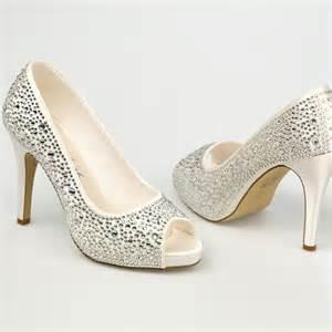 chaussure de mariage femme chaussure mariage ivoire en satin à bout ouvert talon 11 cm roxanne westerleigh