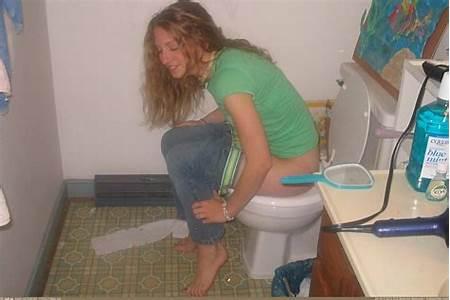Peeing Nude Teens