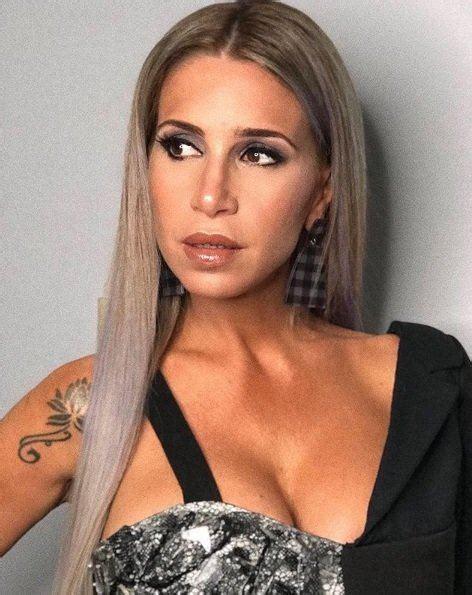 And her estimated net worth… A lo Kim Kardashian: Florencia Peña deslumbró a todos en Showmatch con un radical cambio de look
