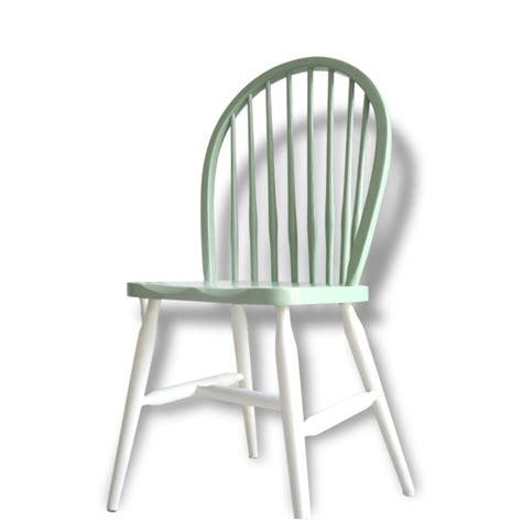 pied de chaise dans la chatte les 25 meilleures idées de la catégorie chaises