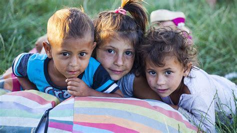 Rómske deti vzdelávajú ženy z ich vlastnej komunity ...