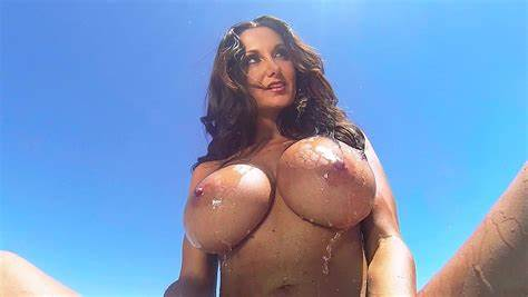 Bigtits Milf Ava Addams Beautiful Bisexual Porn