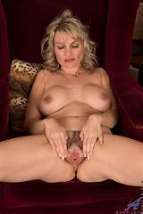 Mature nude pussy holes
