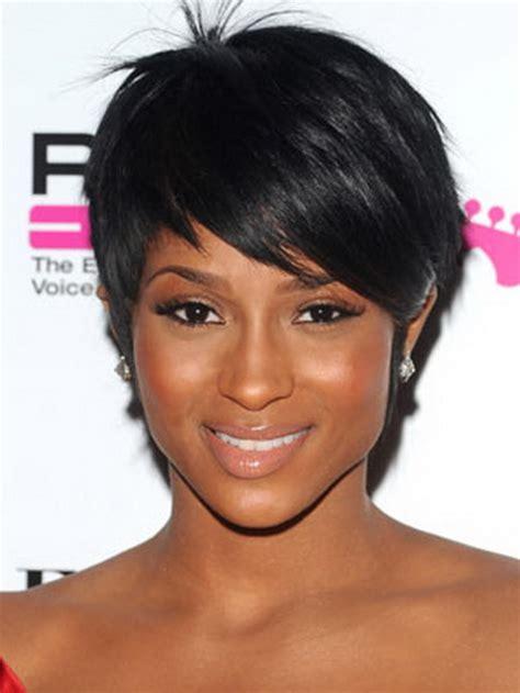 coupe de cheveux courte femme noire