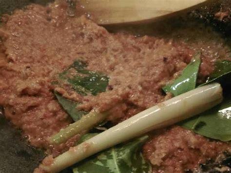 Soto kikil ini merupakan menu khas gresik yang begitu nikmat, lezat dan menyegarkan. Resep Soto Kikil Sapi oleh Pondok Uhud - Cookpad
