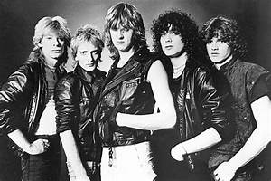 Def Leppard on emaze