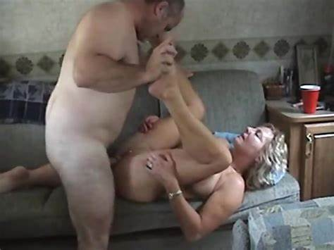 Trash Impregnated Bomb Wives Sex Fat Hubby Three Mom Mexican Threesomes Give Penetration In A Trailer
