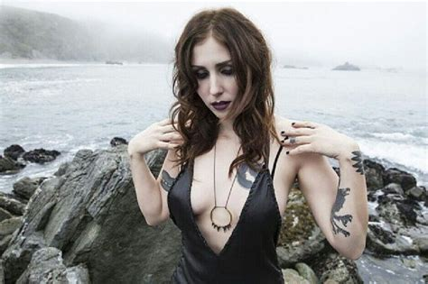 Read chelsea wolfe's bio and find out more about chelsea wolfe's songs, albums, and chart history. Pin on Music