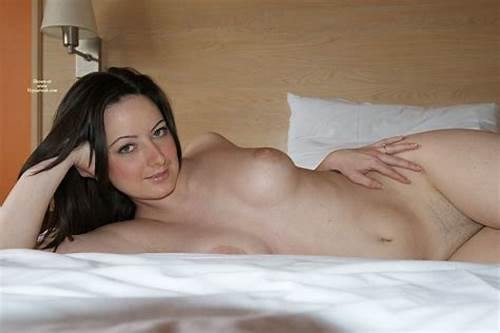 Honey Camgirl With Nice Tity And Natural Tits On Homemade #Nude #Amateur