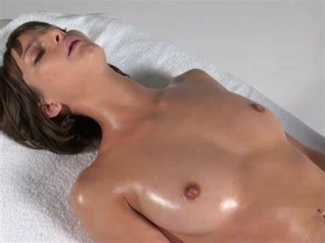 Brunette Redhead Indian Girls Gives An Erotic Massage