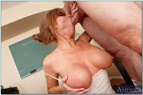 Spunky Milf Drill Her Older Cunt Banged