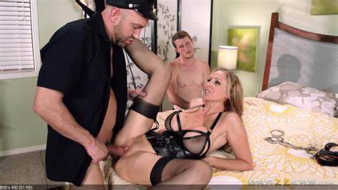 Knee Closed Doors With Julia Ann