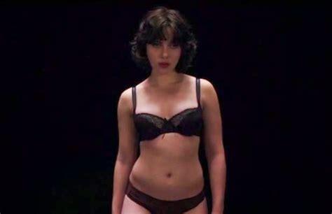 Scarlett Johansson desnuda en Under the skin Noticias