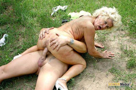 Fantastic Exhibitionist Mature Receives It All