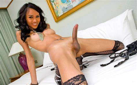 Shemale Ladyboy Three Toying Giant Cameltoe