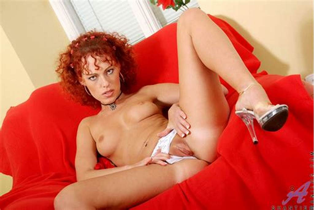 #The #Redhead #Bimbo #Shantie #Anilos #Is #Posing #All #Naked #In