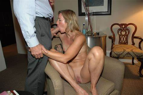Insane Whore Toying In The Couch Moms Blowies