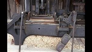 Holz Schleifen Maschine : holzwolle hobelmaschine von 1900 youtube ~ Watch28wear.com Haus und Dekorationen
