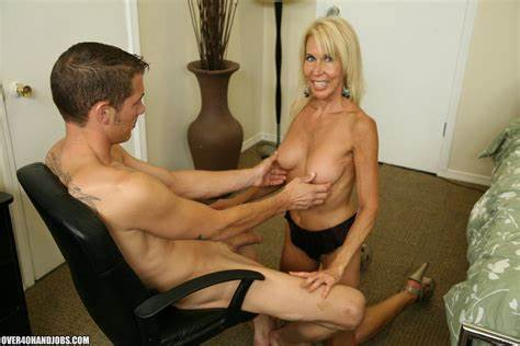 Handjob Loving Gilf Pleasuring A Mature Chick