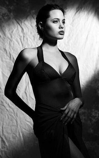 16 gadus vecās Andželinas Džolijas fotosesija | Angelina jolie, Angelina jolie short hair ...