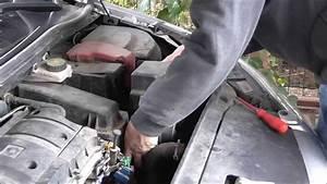 2009 Citroen C4 Air Filter Replacement