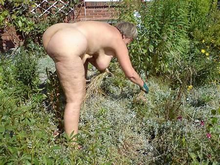 Backyard Nude Teens