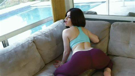 Sitting Nudes With Spandex Cloth tumbex