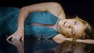 My Light Shines On Lyrics Super Star Christian Carrie Underwood Shines Her Faith