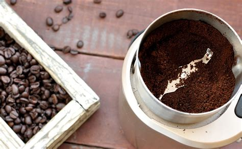Coffee beans roasted for brewed coffee will taste great between 2 to 10 days after roasting. How to Grind Coffee Beans Like a Pro | Blog | Kauai Coffee