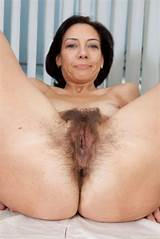 Older pussy tit woman