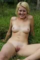 Outdoor undress pussy in forest