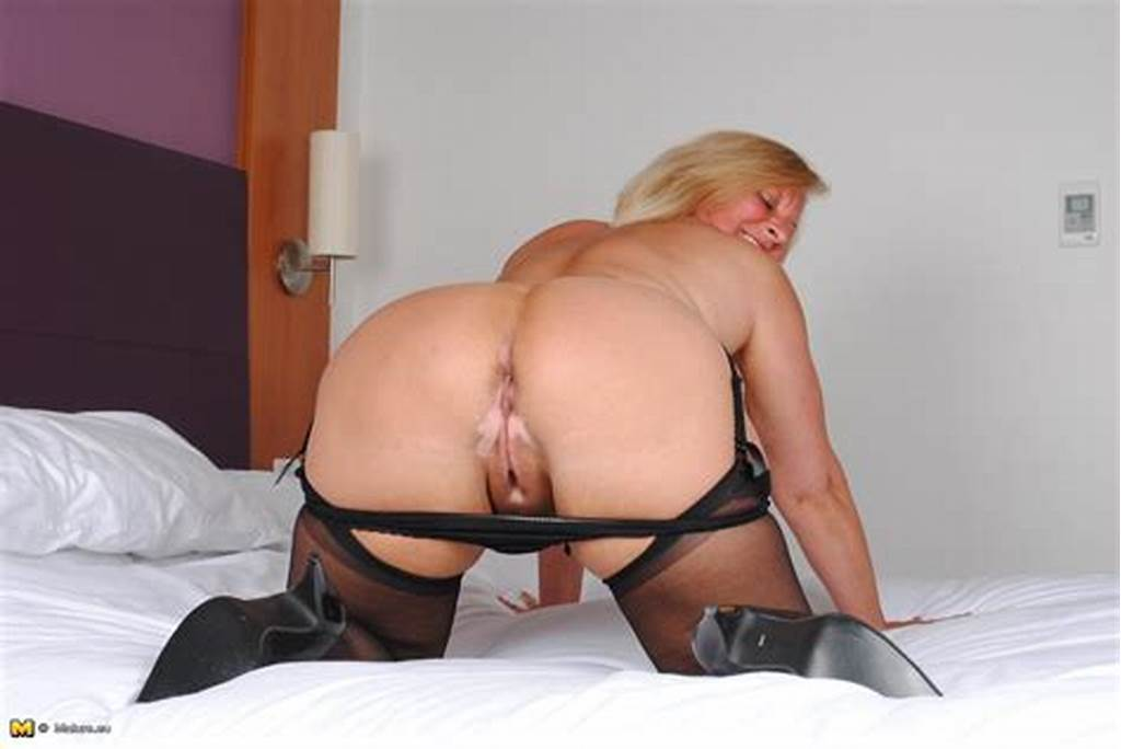 #This #Bbw #Loves #To #Play #With #Her #Wet #Pussy