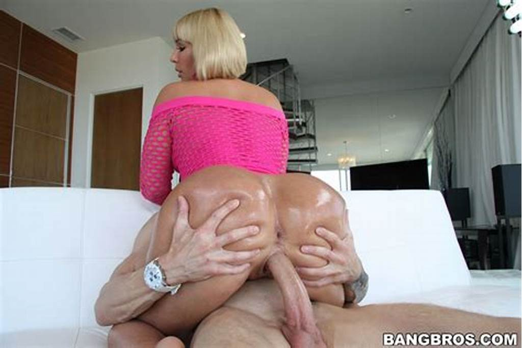 #Mellanie #Monroe #Gets #Banged #On #A #Couch #In #A #Pink #Dress