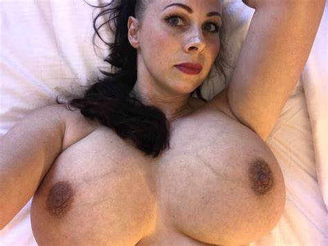 Gianna Michaels Stretched Selfie gianna michaels engorgedveinybreasts