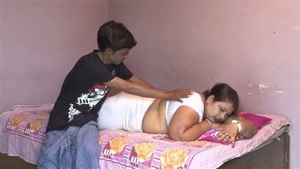#Horny #Man #Enjoys #Spooning #Natural #Boobies #Of #His #Fat #Wifey