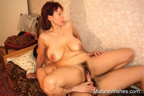Attractive Russian Mature Caught Her Stud Czech Mom Amalia
