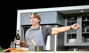 US celebrity chef resigns over sexual harassment ...