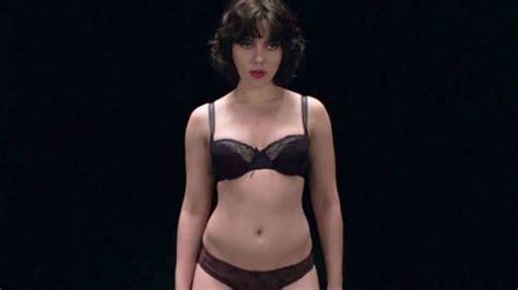 Las mejores fotos del desnudo integral de Scarlett