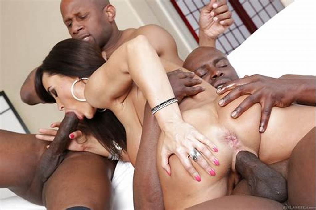 #Interracial #Threesome #Fucking #With #Astonishing #Seductive