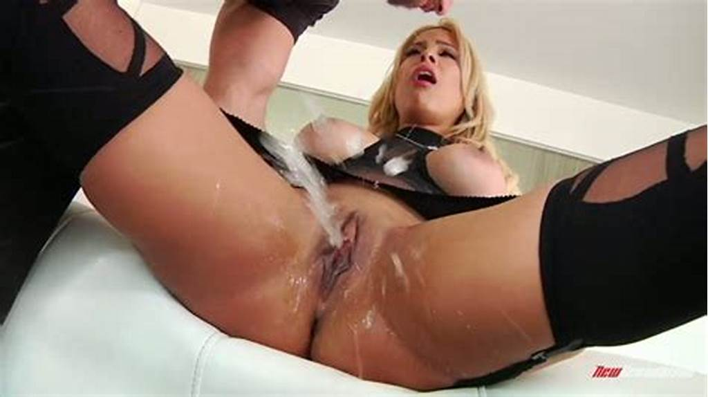 #Latina #Empress #Luna #Star #Grinds #On #That #Cock #And #Squirts #Hard