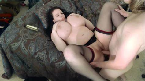 Lovely Curvy Tramp Masturbates With A Hitachi