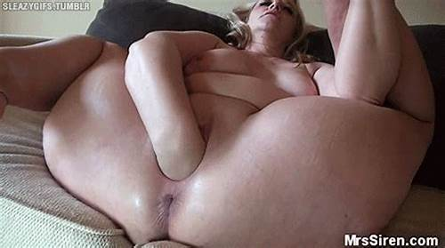 Bald Ass Squirts Intensively While Toyed #Dee #Siren