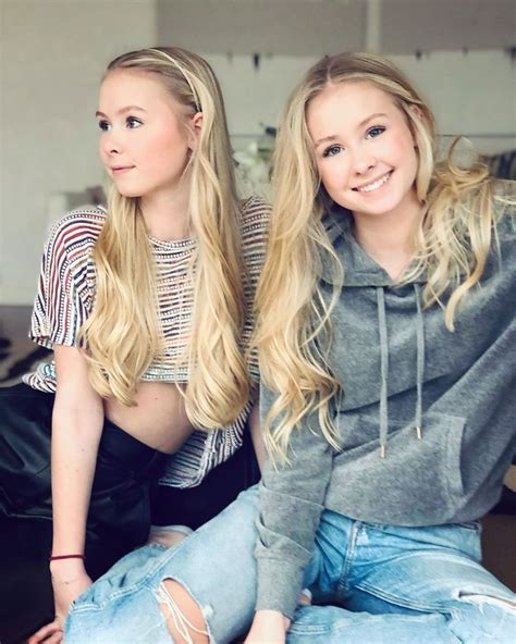 Iza & Elle on Instagram: Soon weekend guys 🙌🏻🙌🏻😘 #twins #