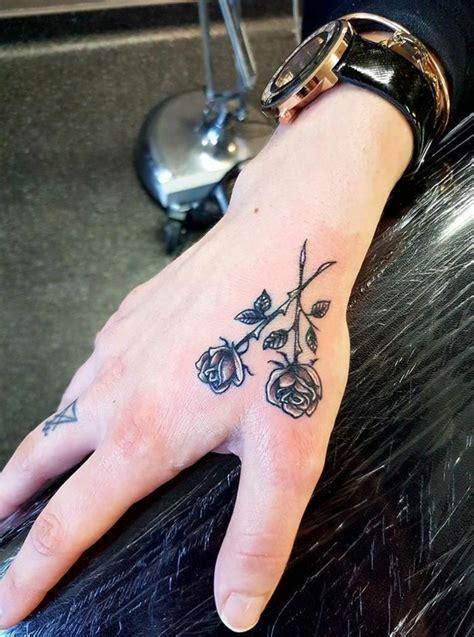 1001 + ideas de tatuajes en la mano y sus significados