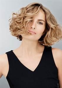 Carré Plongeant Long Bouclé : cheveux coupe au carr coiffure coupe au carr marie ~ Melissatoandfro.com Idées de Décoration