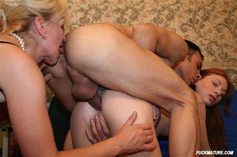 Hiddencam Foursome Breasts Licker
