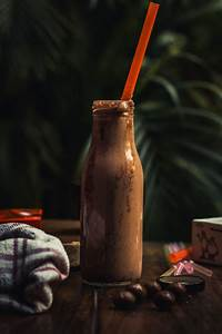 Food Photography- Bonne Bonne (Kit-kat shake) on Behance