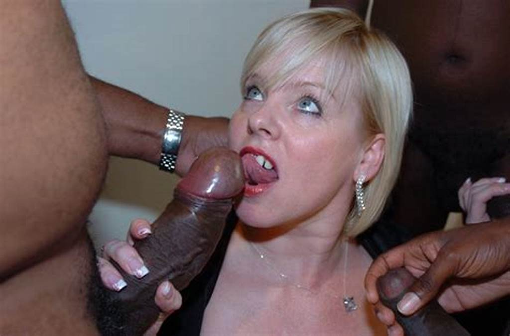 #Blonde #Donna #Wearing #Black #Stockings #Giving #Blowjob